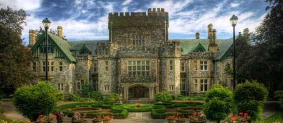 These 25 Magnificent And Historical Castles Will Make You Wish You're A Noble Or A Countess! I So Love To Live In #16! BEAUTIFUL!