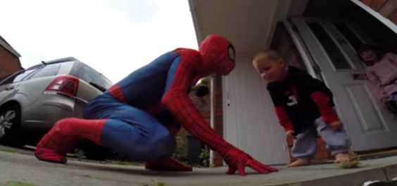 Spiderman Meet This Little Boy Just To Say Hi, But The Real Story Behind It Will Melt Your Heart So Much