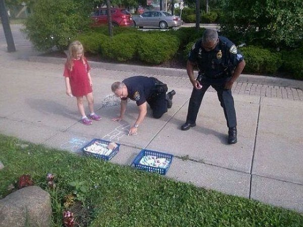 These Police Officers Knows More Better Than Catching Bad ...