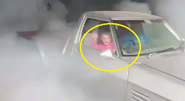Watch How This Dad Share Some Truck Skills To His 7-Year-Old Daughter