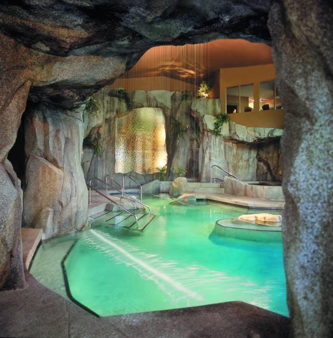 15 Of The Most Amazing Hot Tubs In The World You Need To See