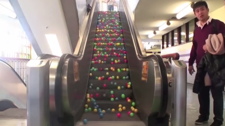 Cool Physics: This What Happens When You Put Balls On Escalator