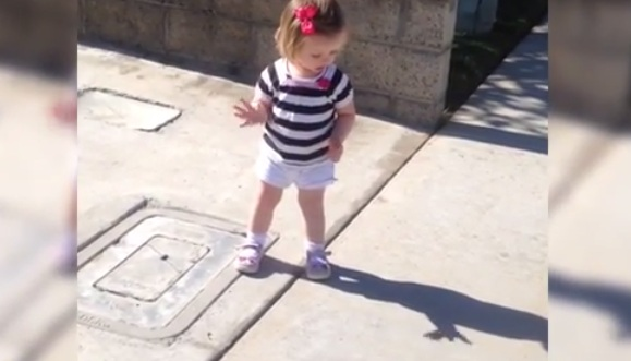 This Toddler Sees Her Shadow For The Very First Time