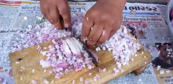 Man Cuts Onion Faster Than A Blender