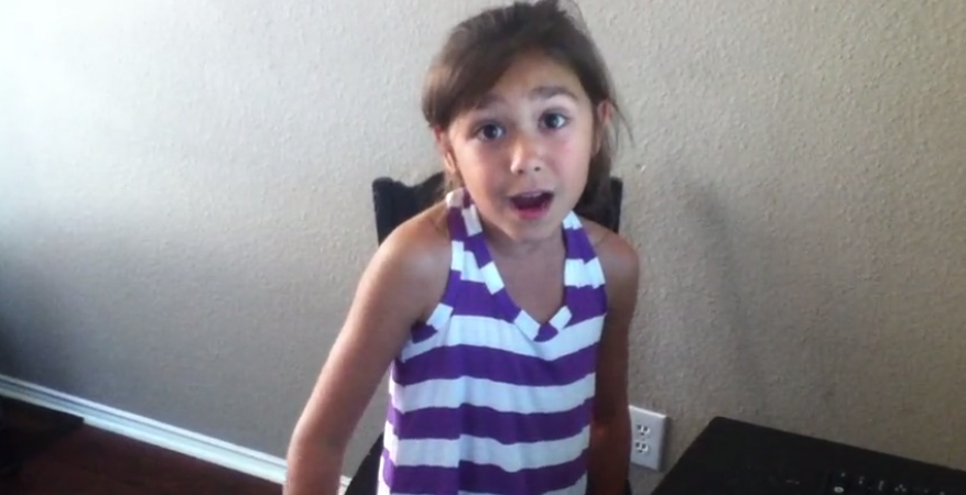 """7-Year-Old Adorable Girl Amazingly Sing The Song """"Turning Tables"""" Of Adele"""