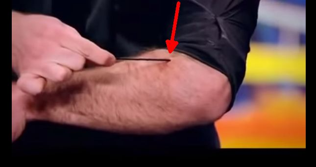 How This Guy Reveals His Superb Magic Trick Under His Skin Will Drop Your Jaw