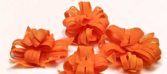 Be More Creative In Wrapping Your Gift By Using Carrot As Gift Bow