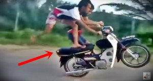 Amazing Acrobatic Poses Made By A Duo In A Running Motorcycle…Heart-Pounding