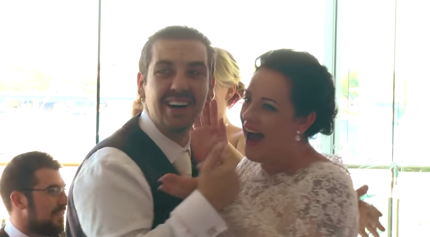 This Couple's Wedding Became More Interesting When Their Unexpected Wedding Singer Entered The Room…