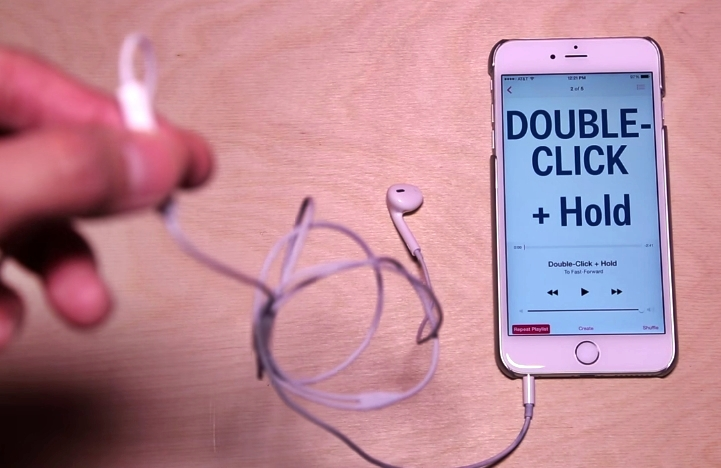 Here Are 14 Things You Can Actually Do With Your iPhone Headphones – No One Probably Told You About This…