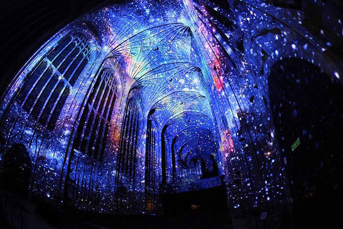 Artist Transforms Cambridge's Chapel Using Stunning Visual Projections  – This Is Just Awesome…