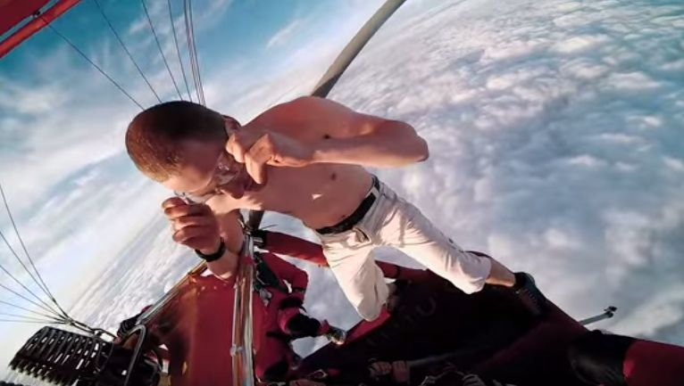 Man Exhilaratingly Skydives Without Wearing A Parachute In This Breathtaking Footage.