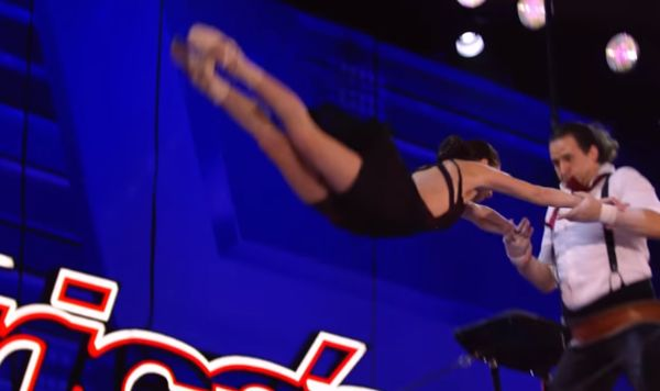 Married Acrobats Did A Very Risky Stunt That Will Make Your Palms Sweat