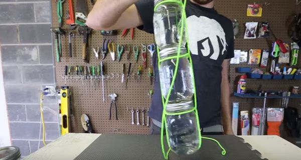 Learn The Easiest Way To Carry Multiple Mason Jars Using Paracord