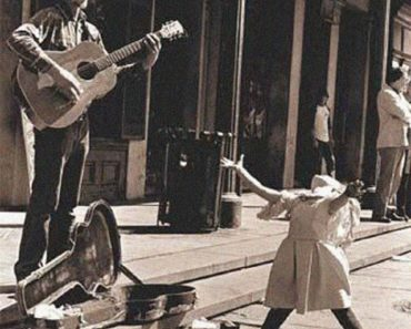 30 Most Heartwarming And Adorable Photos From Days Gone By